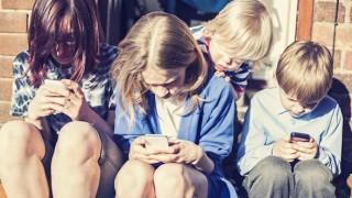 niños-whatsapp