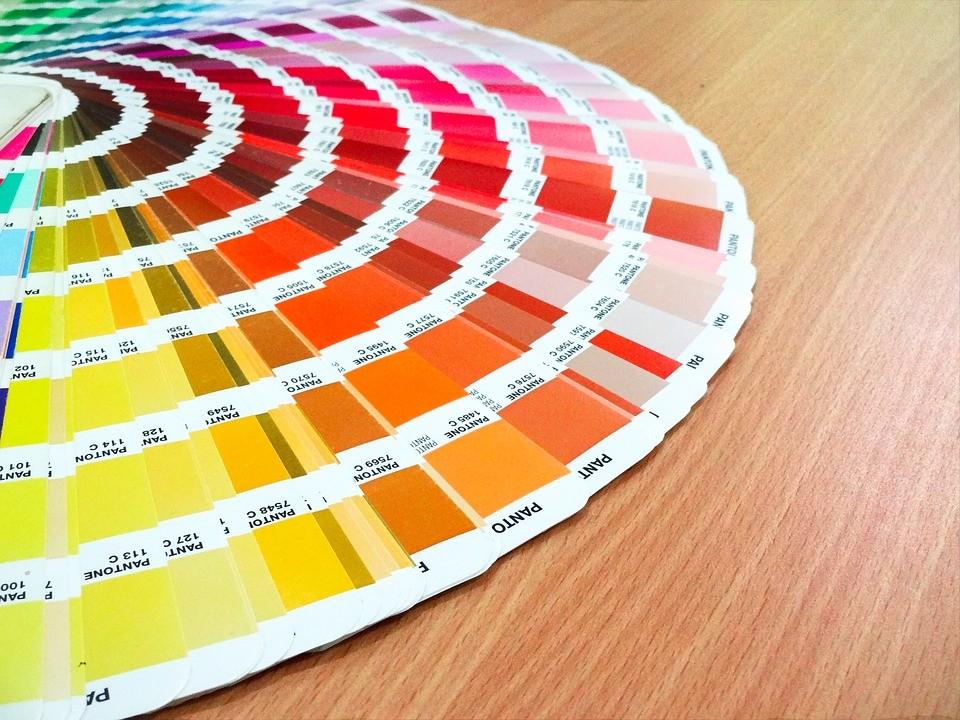 colores en un manual de identidad corporativa